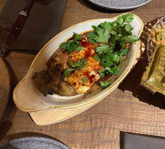 Фото Халумі з баклажаном смажений на грилі та соусом пондзу  в Публицист