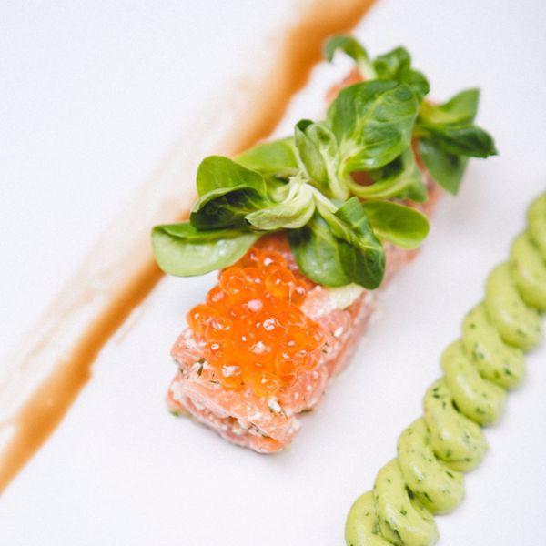 Фото Тар-тар з шотландського лосося label rouge в Lucky Restaurant Vinoteque