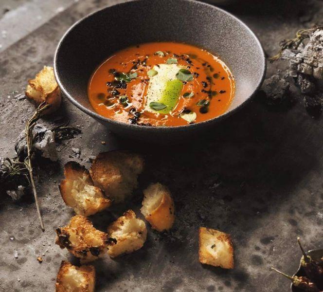 Фото Крем-суп з печених перців і сиром фета  в Публицист