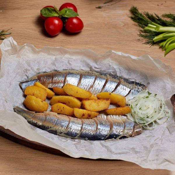 Фото Слабосоленая тюлька с картофелем в Черноморка