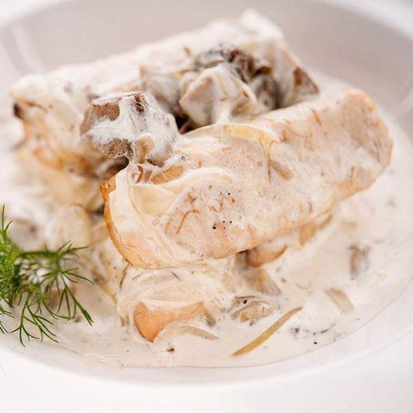 Фото Курячі крученики у вершково-грибному соусі в Хуторець на Дніпрі